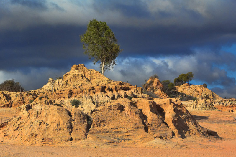 Mungo National Park, The Walls of China, Outback Australia Road Trip